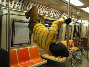 subwayacrobatic2.JPG